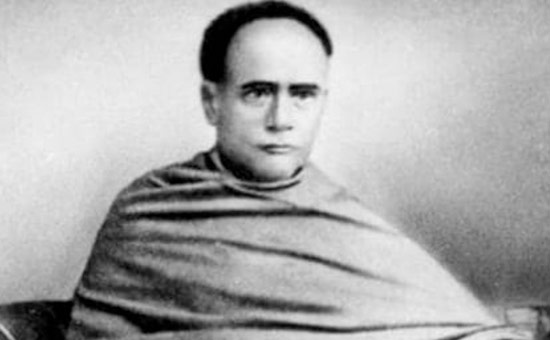 Vidyasagar was a Bridge between the East and the West