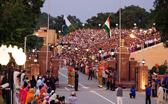 How should India handle a defiant Pakistan