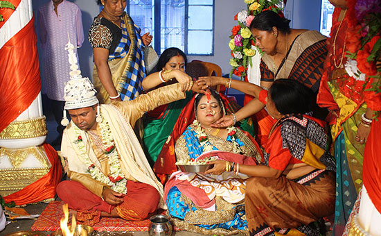 Hindu MARRIAGE VOWS are Complementary, not one-sided