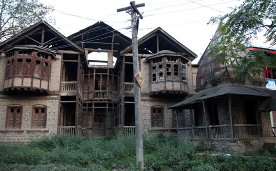 Be careful, you`re in South Kashmir now!