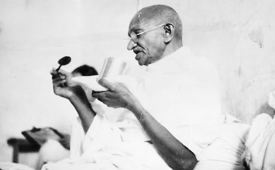 Did Gandhi`s Ahimsa get India freedom