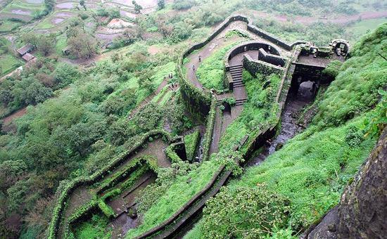 Forts & Palaces of Maharashtra