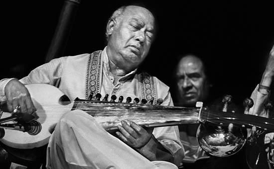`SwaraSamrat` Ali Akbar Khan Saheb - A Musician Par Excellence!