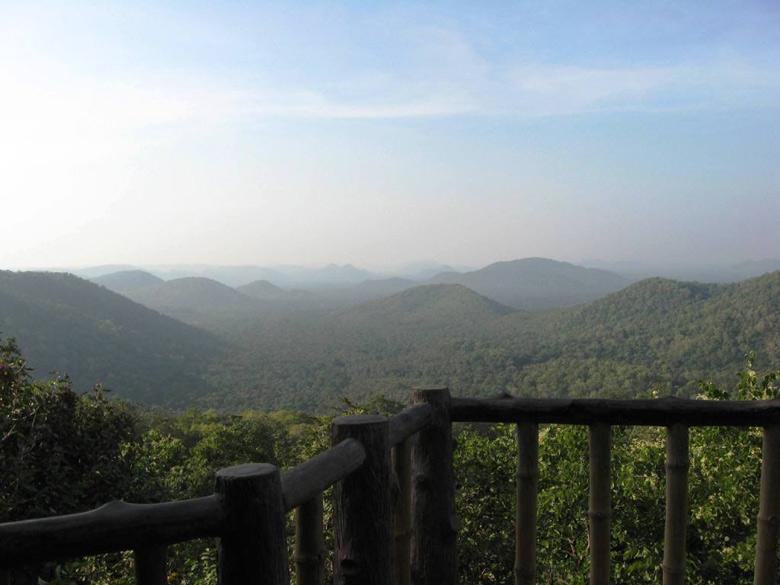 Keskal Valley in Kanker - We reached Jagdalpur from Gangrel by car, in nearly 4 hours. Keskal Valley is on the way from Gangrel to Jagdalpur. It is very beautiful.