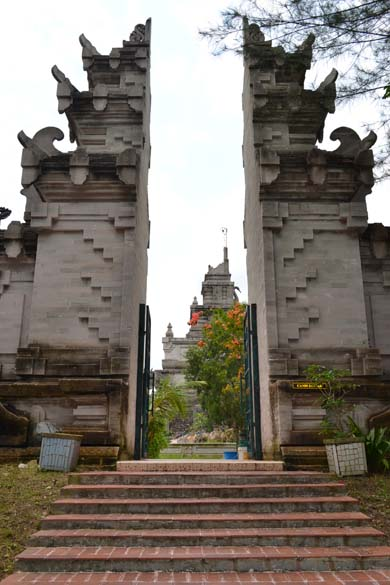 Entrance to the Naga Temple. Batam Island is about an hour``s boat ride from Singapore. U get visa on arrival.