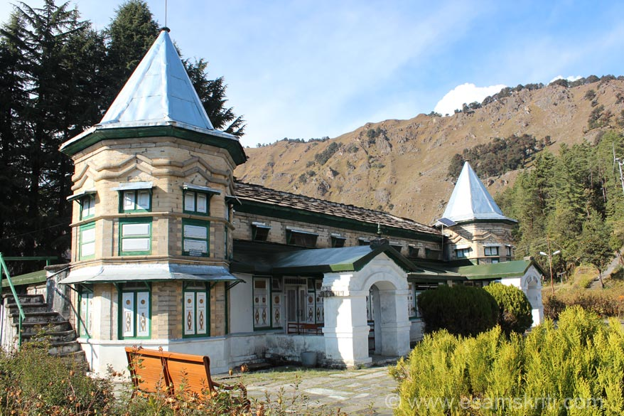 You see main building of Narayan Ashram. 1st floor is temple, ground has some rooms to stay. To reach go to Pithoragarh, 4 hour drive to Dharchula, a near 2 hour drive to Ashram. Scenic