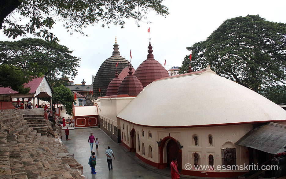 Last stop in 2013 Arunachal Pradesh Yatra was Gauhati. Drove from Tawang to Tezpur to Gauhati. Early morning left for Kamakhya Mandir. It is on top of a hill, u can share a vehicle that takes you from the main road to the hill top. Very good road. Temple overview. On right is entrance to temple. It is very clean and could feel the strong vibrations in temple and esp during darshan.