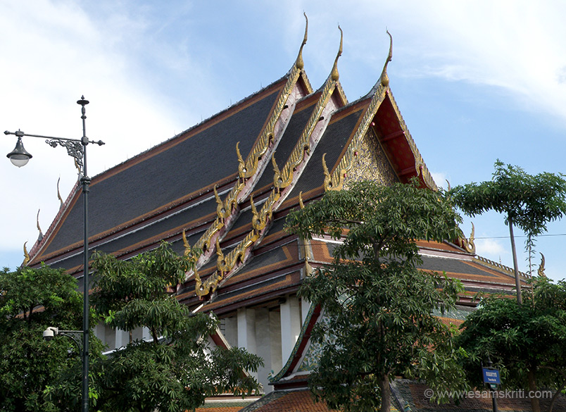 This viharan that you see is Wat Pho or the Temple of the Reclining Buddha. Wat Pho is the birthplace of the original Thai massage.