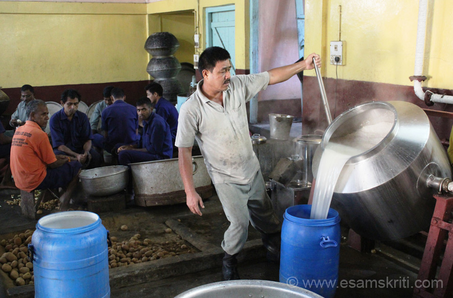 "School has steam cookers to make rice. Water being removed from the steam cooker. Kitchen not as clean as the ISKCON hi tech kitchen in Mumbai but good enough for a school.To see pics of ISKCON kitchen <a href = ""http://www.esamskriti.com/photo-detail/ISKCON-Annamrita-Mumbai.aspx"" target = ""_blank"" > Click Here </a>"