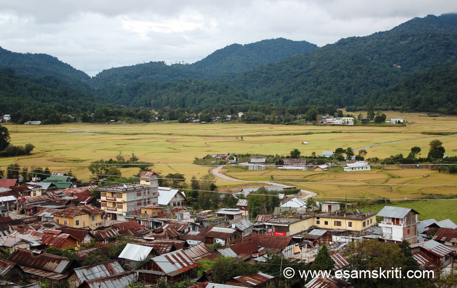 Over view of Ziro town from a hillock in old Ziro called Ziro Putu. It is the best place to get a overview of the town. Ziro is a plateau i.e. situated at a height of about 1500 metres. Very