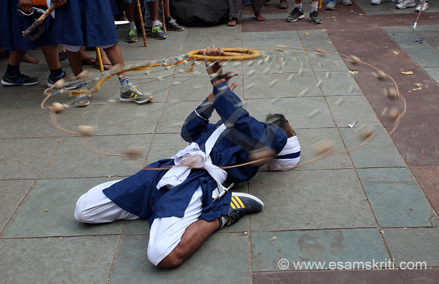 On Hola Mohalla day Nihangs display their prowness with various games as you see in this pic.