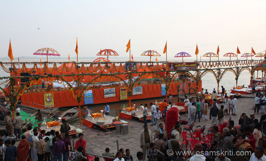 A view of the Ganga Seva Samiti ghat. Both organise a variety of cultural programs after the Aarti is over. For breakfast have idlis, alu-kachori and jalebis - freely available on streets.