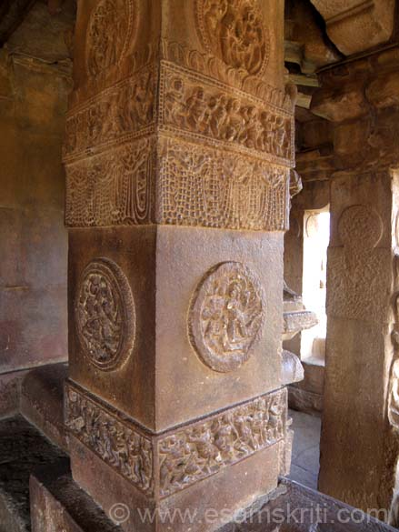 This picture has a two sided view of the pillar. The space that you see in the background is the passage ie all around the temple as you shall see later. U see carvings of ornaments and soldiers.