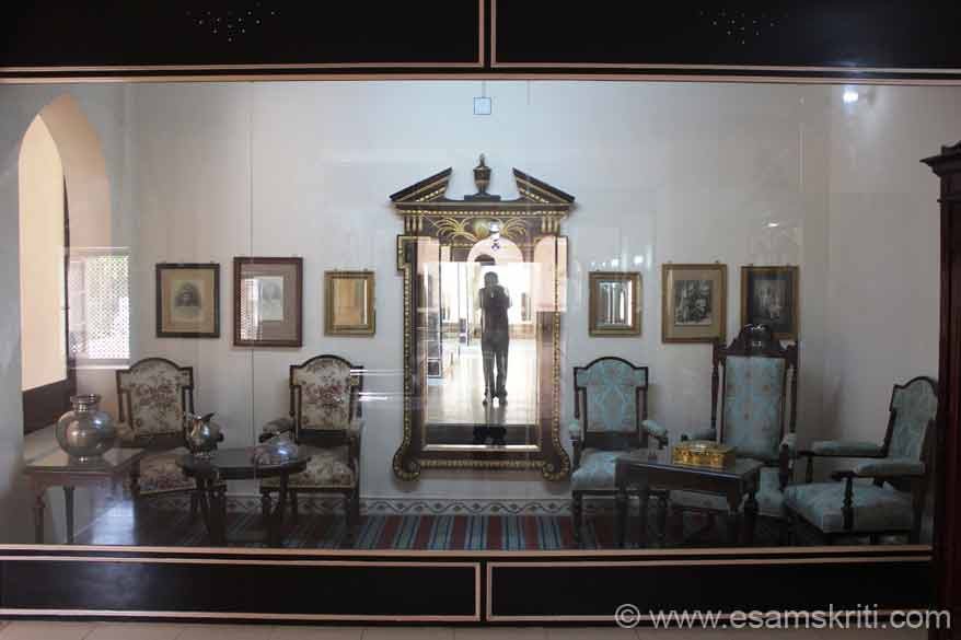 On the 1st floor of the museum kept old furniture like you see in this pic. It is post British rule say post 1900. Whole place is spotlessly clean, very good effort.