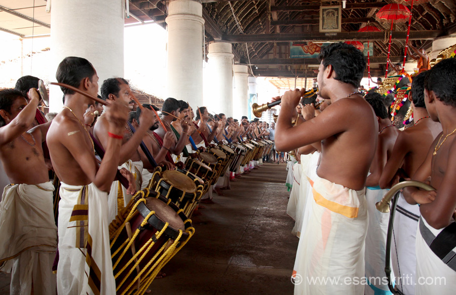 Another view of musicians. Temple music is awesome, at times wanted to dance. They play different type of progressions and have different names. Popular ones are Paanchari Melam & Paandi Melam.