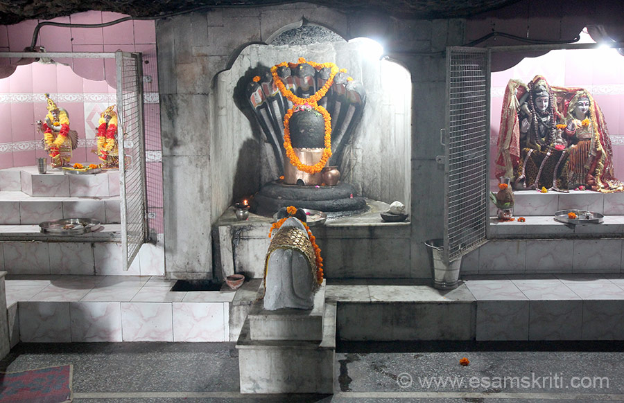 It is said that the Pandavas came here and incorporated a Shivling to seek blessings of Lord Shiva. U see Shivling.