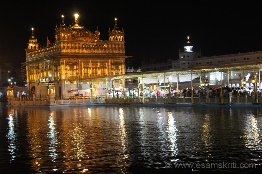 Pic of Hari Mandir and causeway taken around 4.30am. 21/4/2012 was Amavasya so heavy rush of devotees from 4am onwards.