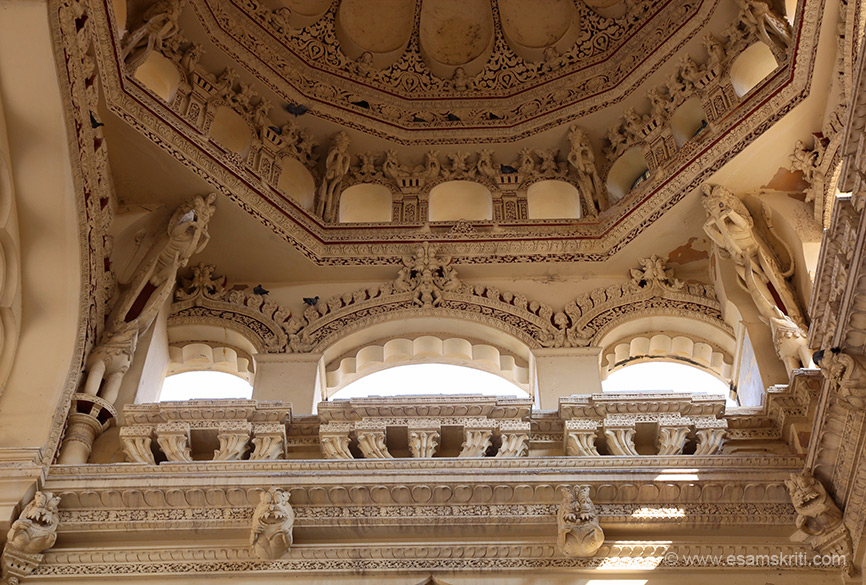 Close up of ceiling. Lower level animal looks like lion, mythological animal on left and right side and kirti mukha in the centre. The palace is famous for its Stuccowork on its domes and arches.