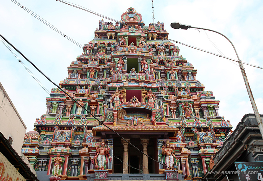 Rear side gopuram one has Lord Vishnu in reclining posture.