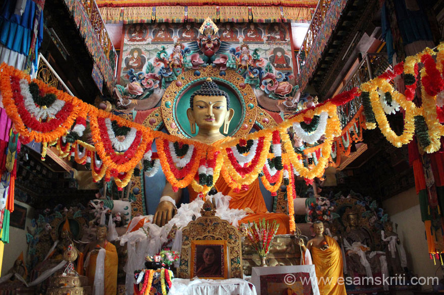 Buddhism is predominant in Tawang. U see a 25 foot image of Lord Buddha at the Tawang Monastery.