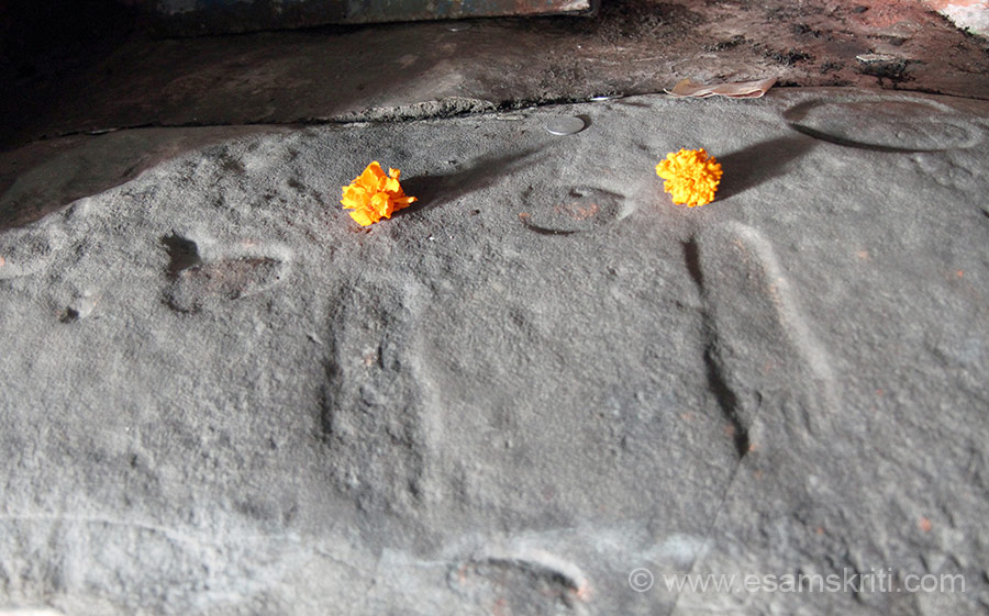 Foot prints of Lord Krishna who is said to have come here as a child. Board in pic no 9 has more details. The drive from Akhnoor to Shiv Khori Cave, our next halt, is very scenic.