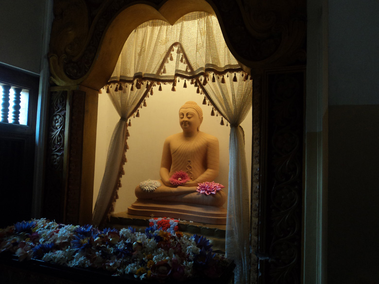 One of the many statues of the Buddha that can be spotted at the Kandy temple.