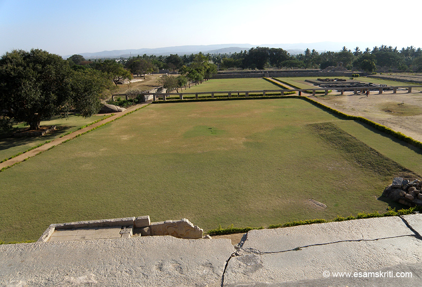 A view of the garden in front of the platform. The king sat on the platform and watched the functions that were performed in what is today a garden. In the centre of picture is water duct and to its right is the step tank.