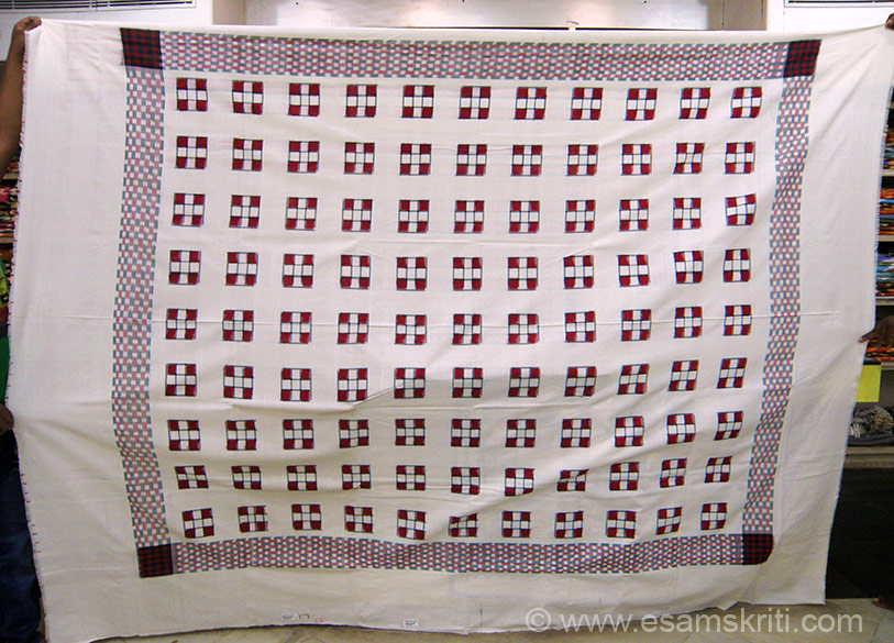 Orissa cotton bed sheet. Saw a number of lovely designs. Hope this tradition of making textiles continues in India. We can contribute to keeping it alive by purchasing such products even though prices of cotton handmade products might be higher than machine made ones.