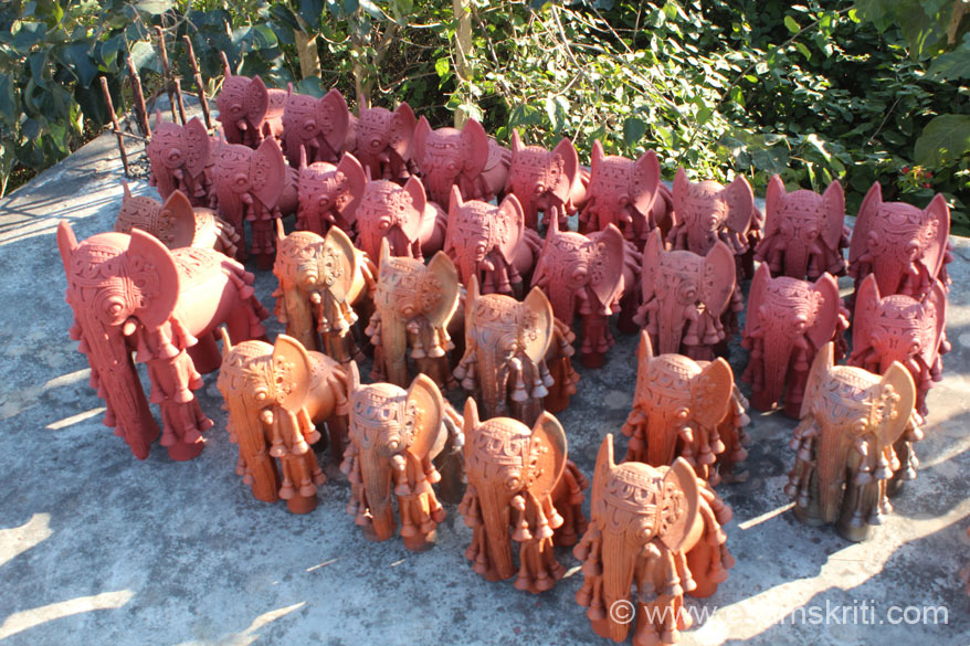 Saathi Samaj has a big hall where products are displayed. On terrace are terracotta products that u see, ground floor is cast metal and wrought iron. These decorative elephants are