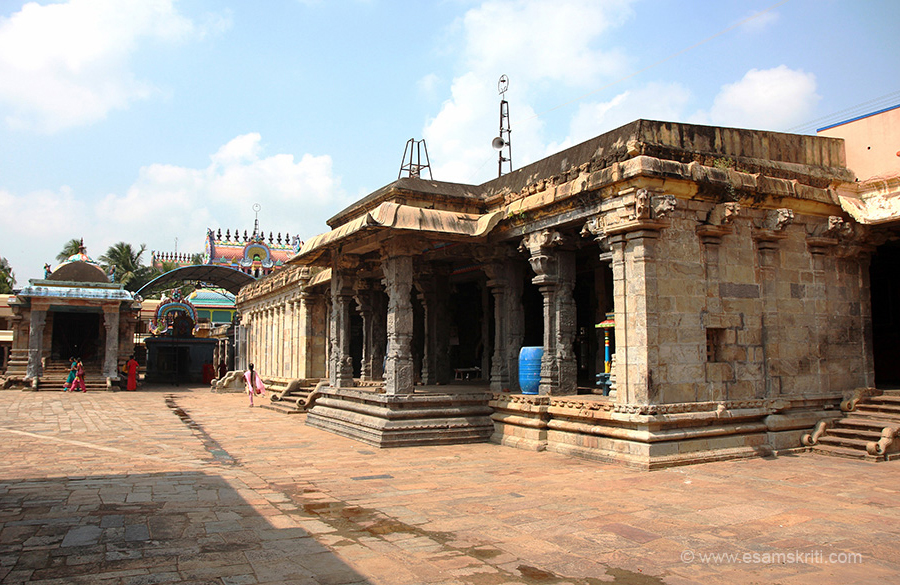 "As we entered left side of temple. ""This Devata bestows wisdom and wealth on his devotees. He is ruled by Lord Maha Vishnu. This temple is referred in 'Saiva Thirumurais' and Sastras. This place is similar to Kasi with all the Snana Ghats."" We missed seeing the bathing ghats."