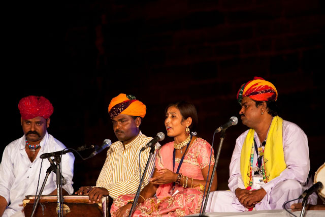 Bhanwaroo Khan, Daya Ram, Sumitra and Bundu Khan in concert.