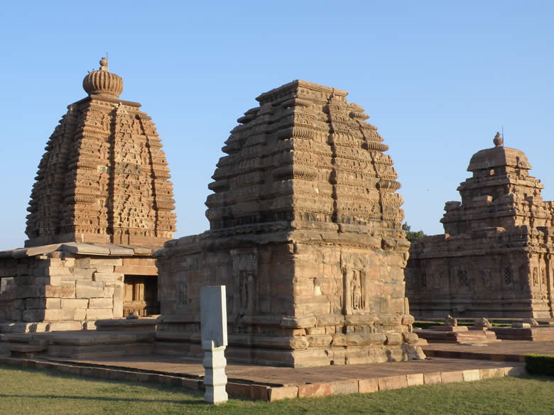 Extreme left you see Galaganatha temple, in the centre is Jambulinga temple and right is the Sangameshwara temple. Temple on left is made in Northern style while that on right is in Southern style makes it easy to know the difference in styles.