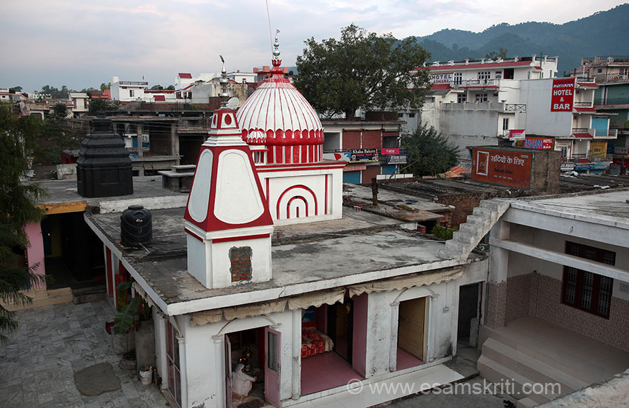 "Overview of temple and Noushera town. All over Jammu region Rajma Rice or Roti is staple light, available at every dhaba. To see photos of Vaishno Devi Yatra <a href=""http://www.esamskriti.com/photo-detail/Vaishnudevi.aspx"" target=""_blank"">Click here</a>"