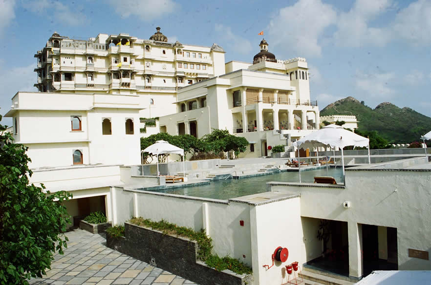 A view of DG from the western side. In front is the pool. Below the pool, next to the fire pipe is entrance to the SPA. Building on the left is the reception. Right behind is the palace. It has three floors of which floor one has a conference room and suites, two has the Durbar hall and suites and three is the terrace. Just behind the pool is the restaurant as you shall see in the next picture.