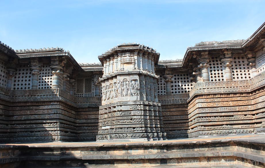 East facing side. In centre is stone chariot, either side is panel above which are holes for light to enter into the temple. Bottom of pic u see the platform on which temple stands. On either side
