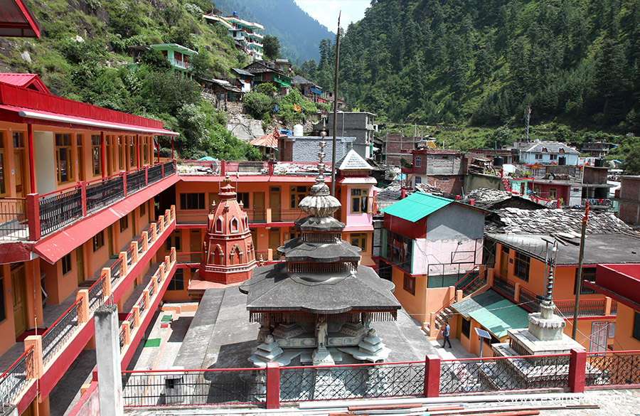 Overview of main temple. Left are newly made rooms for devotees to stay.