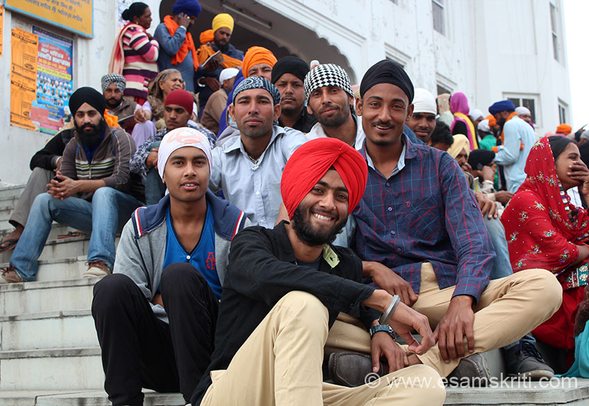 On steps of the Anandpur Sahib Gurudwara. These guys asked me to click, only too happy to make them happy.