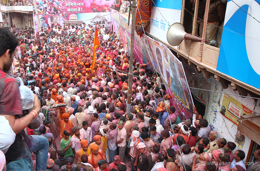 This is where all the action happens. I was standing next to person on left of pic. Only photographers with identity cards from mainstream media were allowed to be on the second floor of a building from where one got a super view. Do enjoy Holi celebrations in Vrindavan too, wow. It was held on the day after Lathmar Holi at Nandgaon, just exact dates.