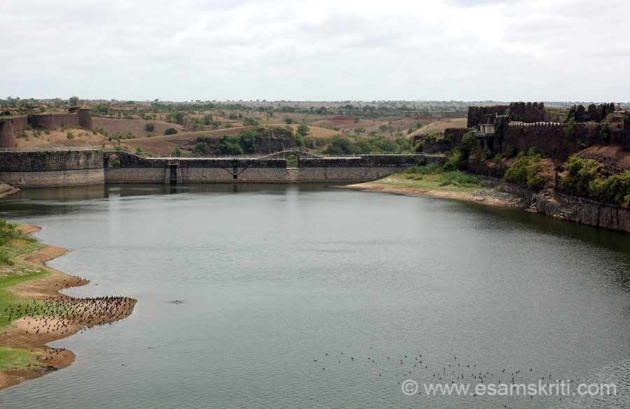 "Water body, right side is Pani Mahal. It is a check dam. When it rains heavily and water overflows is very scenic. Note fort wall on either side. To see video of water overflowing <a href=""https://www.youtube.com/watch?v=n5TBXe1IBIo"" target=""_blank"">Click here</a>"
