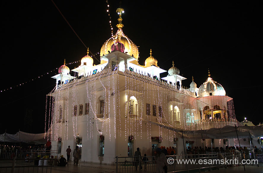 Gurudwara at Anandgarh Sahib. Next to it is a small fort. It is here that Guru Govind Singhji hit a arrow into the ground from where came out water. Devotees come with bottles and 