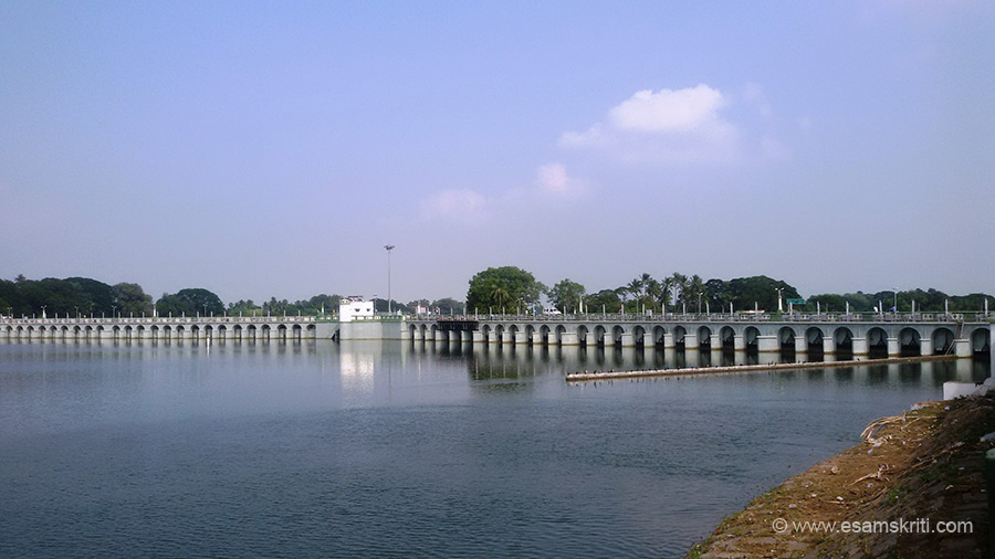 "20 kms away from Trichy enroute to Gangaikondacholapuram is Grand Anicut. ""The Kallanai Dam was ""[built] during the 2nd century AD by Karikalan, a king of southern India``s old Chola Dynasty"" and ""is also one of the oldest irrigation systems in the world that is still in use"". 