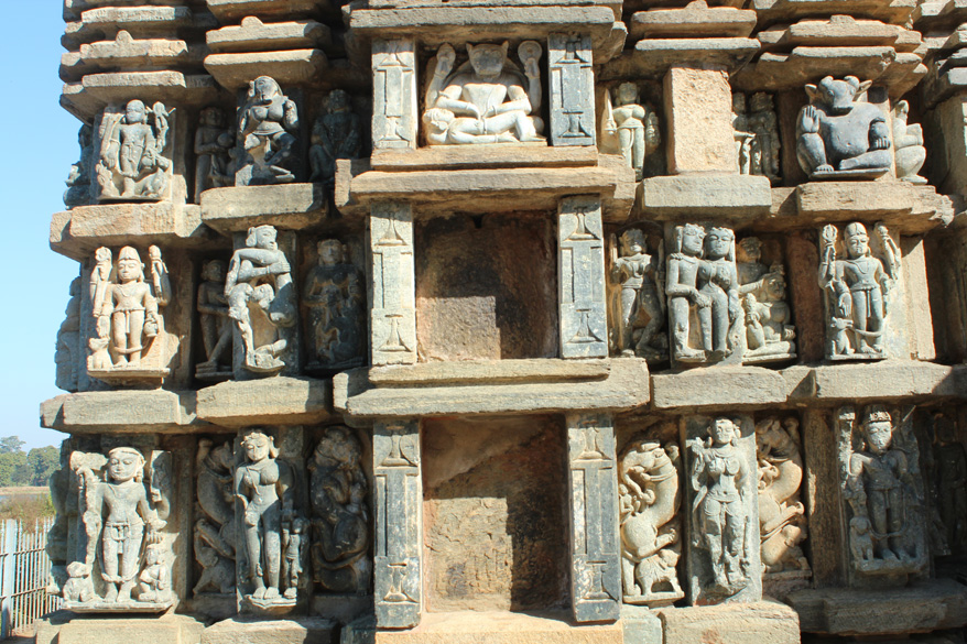 A view of the images. In centre top is Narasimha (4th avatar or incarnation of Lord Vishnu). He is often visualised as half man half lion. U see Narasimha slaying Hiranyakashapu. Left of 