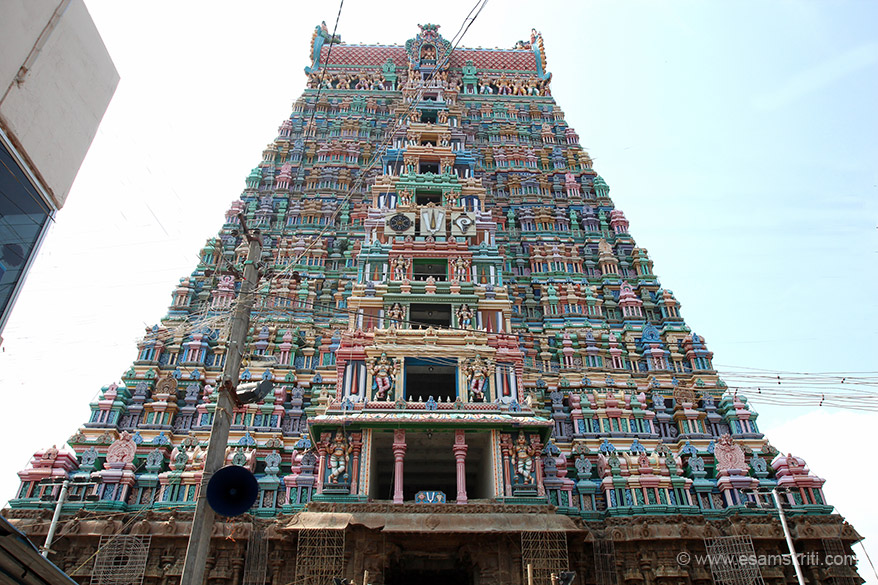 "A close up of gopuram from main entrance side. It has eleven tiers and 192 feet height. "" It has found a fitting place in the emblem of Government of Tamilnadu."""