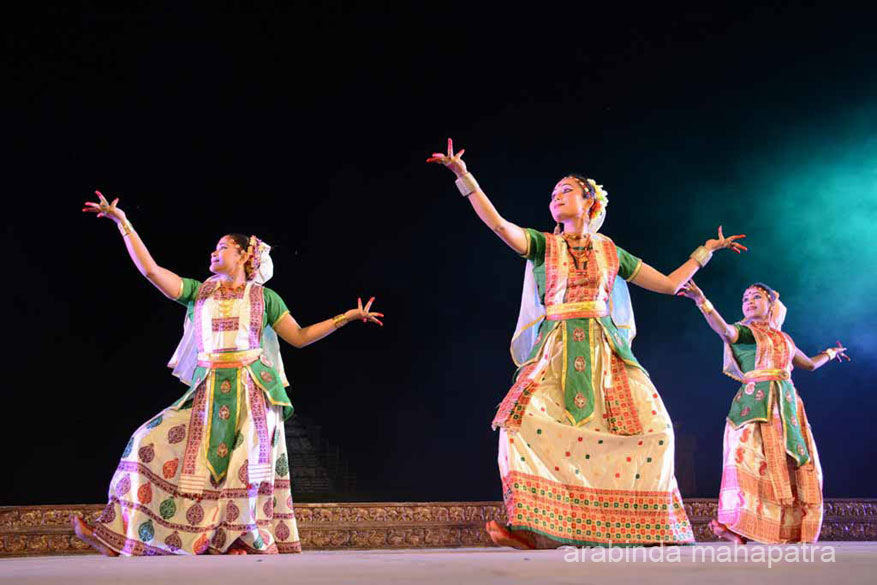 Sattriya dance. So graceful. Love the light and colorful fabric.