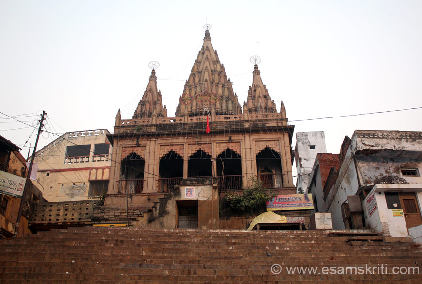 "Lakshmi Narayan temple at Assi ghat. Have sweets at Shri Ram Bhandar i.e. close to Vishwanath Mandir. Walk thru the galis (lanes) of Kashi - an experience. At Assi ghat is Pizzeria, good for Continental food. To see pics of Kashi <a href = ""http://www.esamskriti.com/photo-detail/Varanasi-Pictures.aspx"" target = ""_blank"" > Click here </a>"