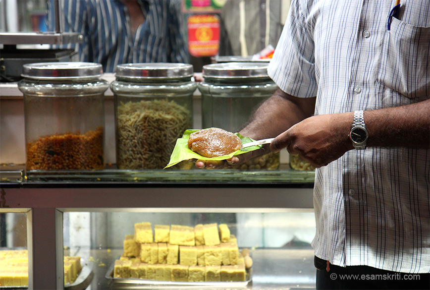 "HALWA of Tirunelveli is very very famous. Driver Velu holding. Lots of halwa available outside temple. To read temple history <a href=""http://www.kanthimathinellaiappar.tnhrce.in/history.html