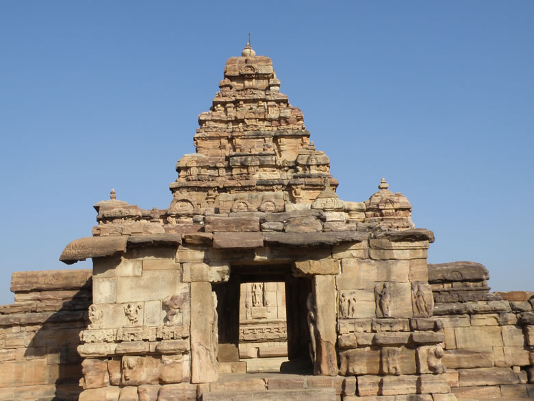 A rear side view of the temple.Took this picture to give you an idea of temple size. This is the western side.