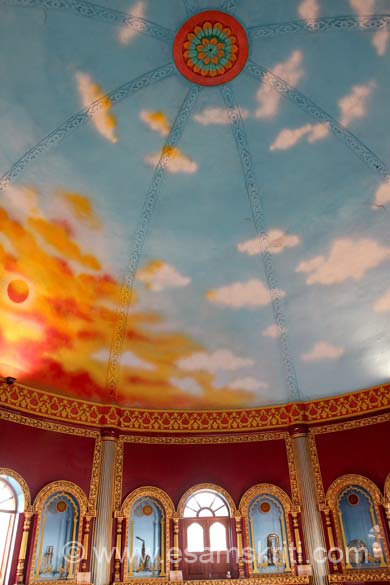 Inside a dome structure where teaching classes are held. Very impressive. Wish there was a board which explained the science behind design of this wonderful Sangeet Kala Academy.