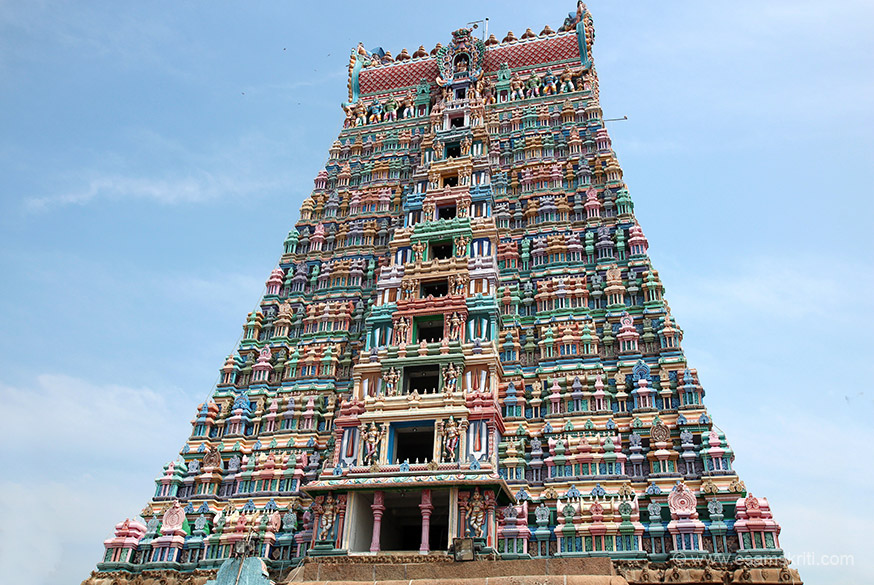 "Back side of main gopuram. To read about the Divyadesams <a href=""http://www.divyadesam.com/divya-desams/temples.shtml