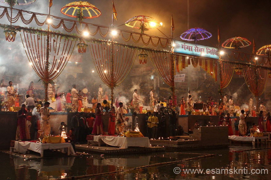 "Maha Ganga Aarti in progress on Kartik Purnima. To see pics of Dev Deepavali Festival <a href = ""http://www.esamskriti.com/theme-detail/Dev-Deepavali-Kashi.aspx"" target = ""_blank"" > Click here </a>"